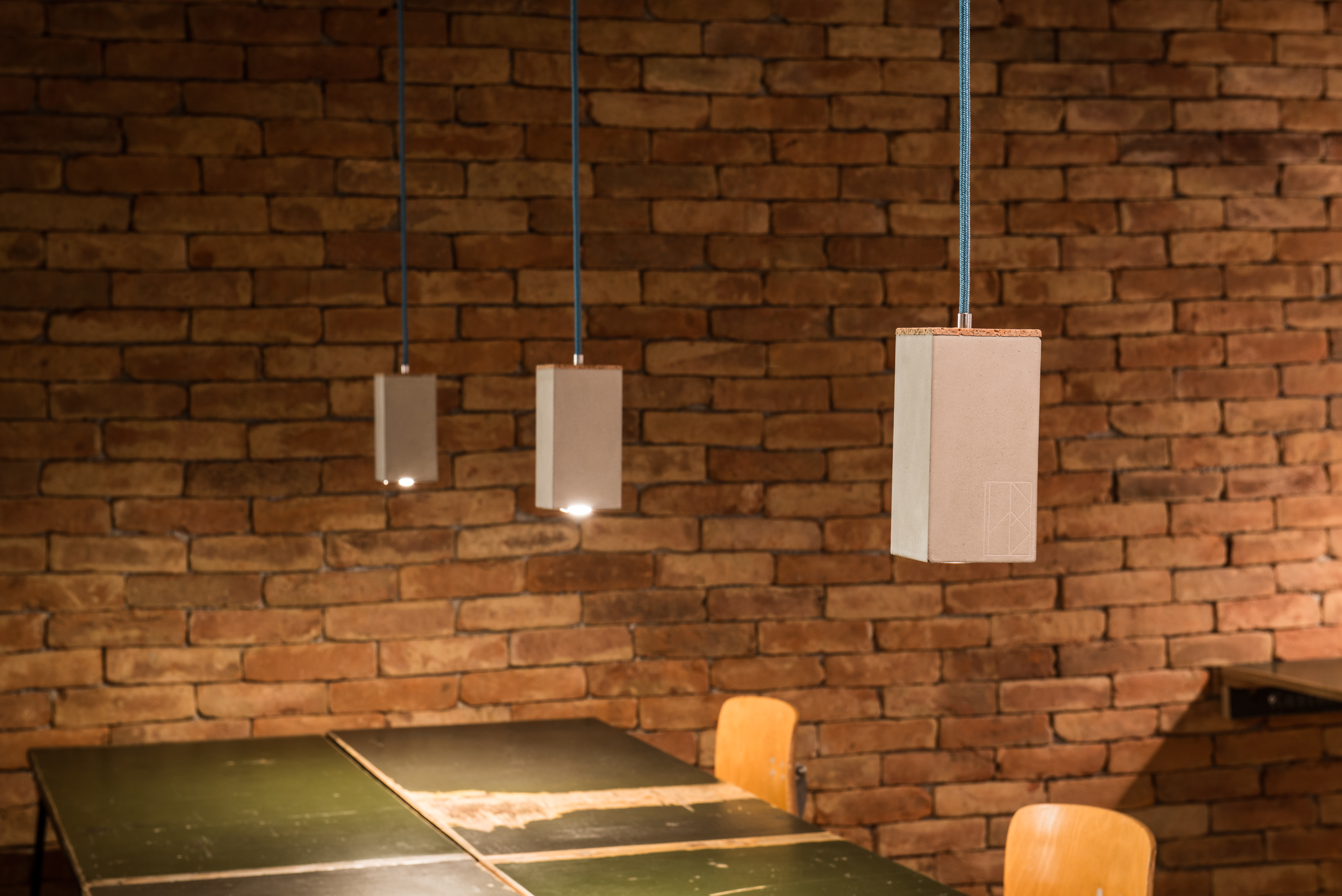 Beton-Spot ZOE aus der Heine & Becker Manufaktur