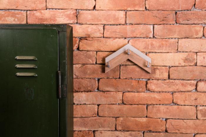 Beton-Kleiderhaken ALMA aus der Heine & Becker Manufaktur