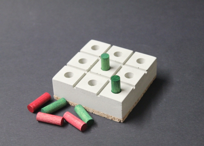 TIC TAC TOE-Spiel aus Beton / HEINE & BECKER Manufaktur