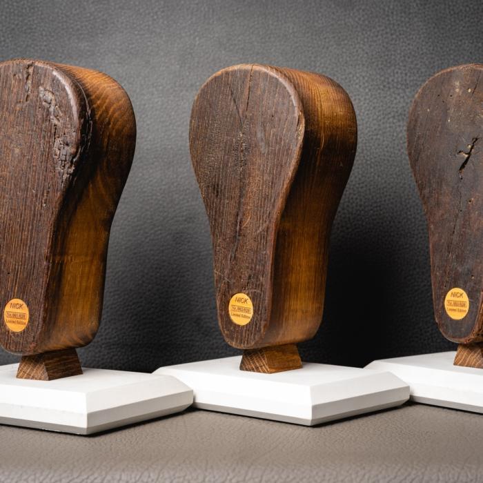 Limiterter Kopfhörer aus 200 Jahre alten Webstul.